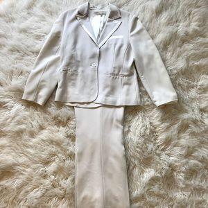 Women's White Pants Suit